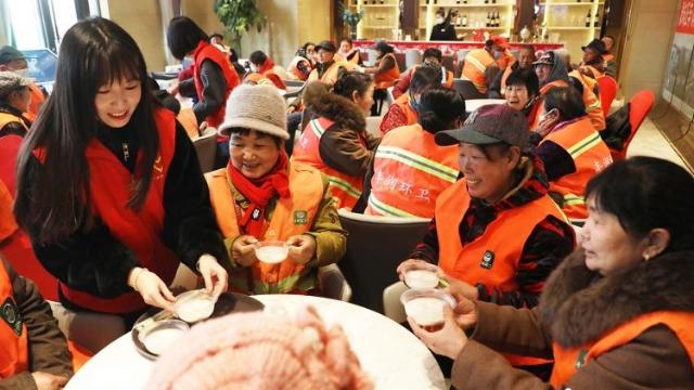 河北各地志愿者情暖元宵节